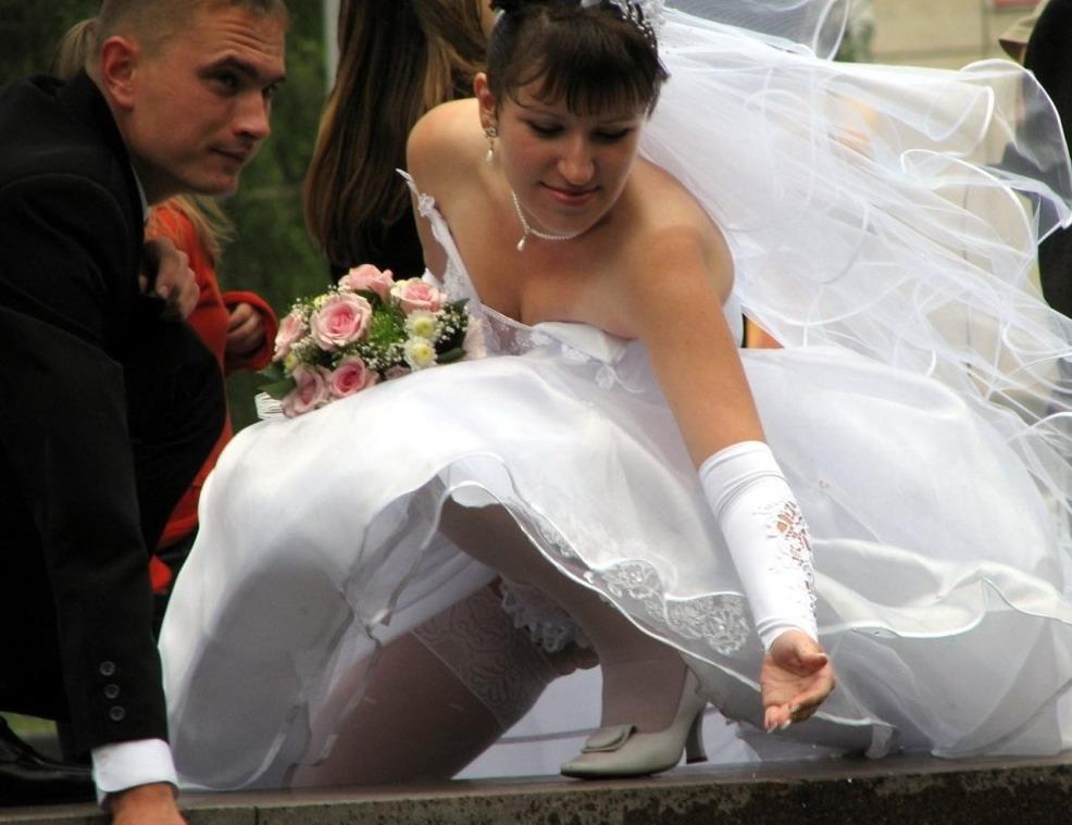 прозрачные трусики и лифчики на женщинах фото