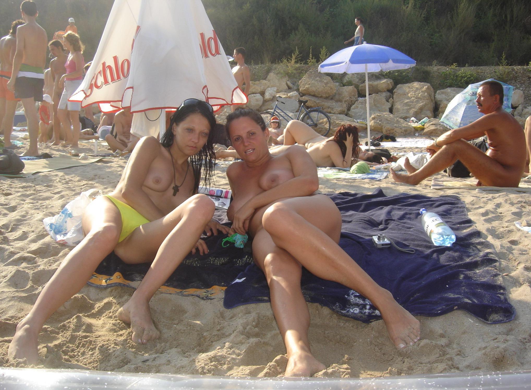 Скрытые съемки на диких пляжах 7 фотография